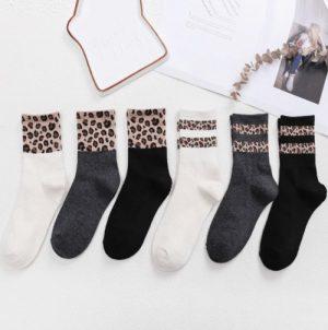 Sokken-met-luipaard-print-1-mins