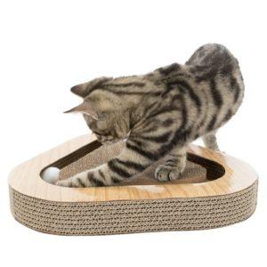 Krabkarton-met-ballen-kattenspel