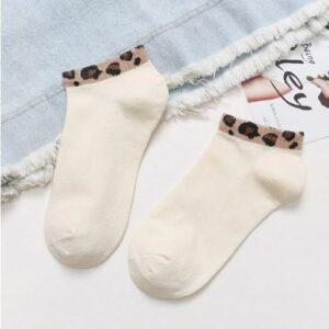 Korte sokken met leopard print 4 varianten wit